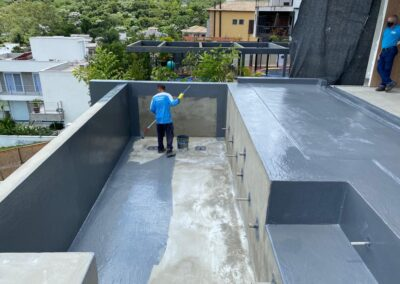 impermeabilizacao-de-piscina-com-poliuretano-monolitico-residencial-tambore